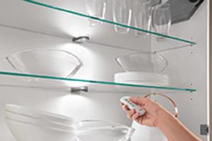 4-Kanal-Funk-Fernbedieung zur Steuerung von LED-Lichtern in Küchen-Oberschränken