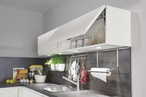 Relingsystem mit Profilleiste für Küchenzubehör