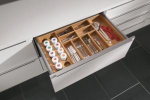 Schubladeneinsatz für Besteck und Gewürze aus Holz