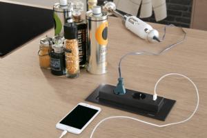 Steckdosenverteiler mit USB-Charger